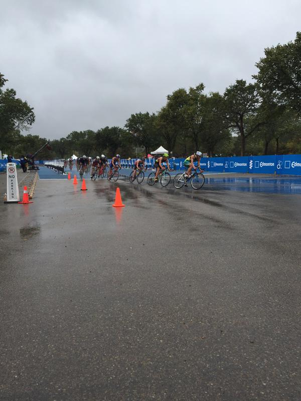 One giant pack comes together in the men's race.