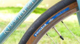 Bike tire and valve