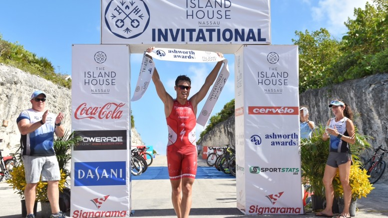 Javier Gomez wins Island House Triathlon 2015